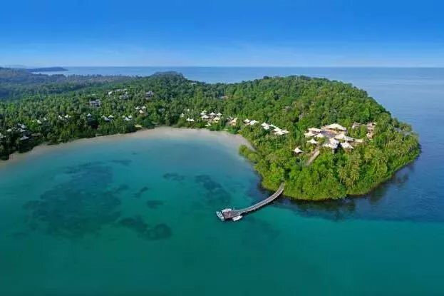 Booking酒店推荐:不可错过!CNN评选出的全球最美海滩酒店8间精选