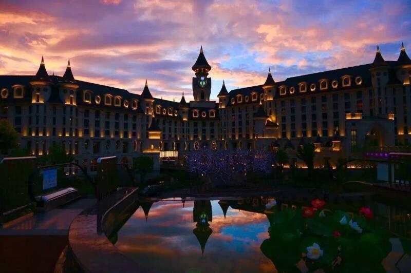 酒店推荐:全国10家人气爆棚的亲子酒店推荐,卡通主题房、水上乐园、游乐场、美食!