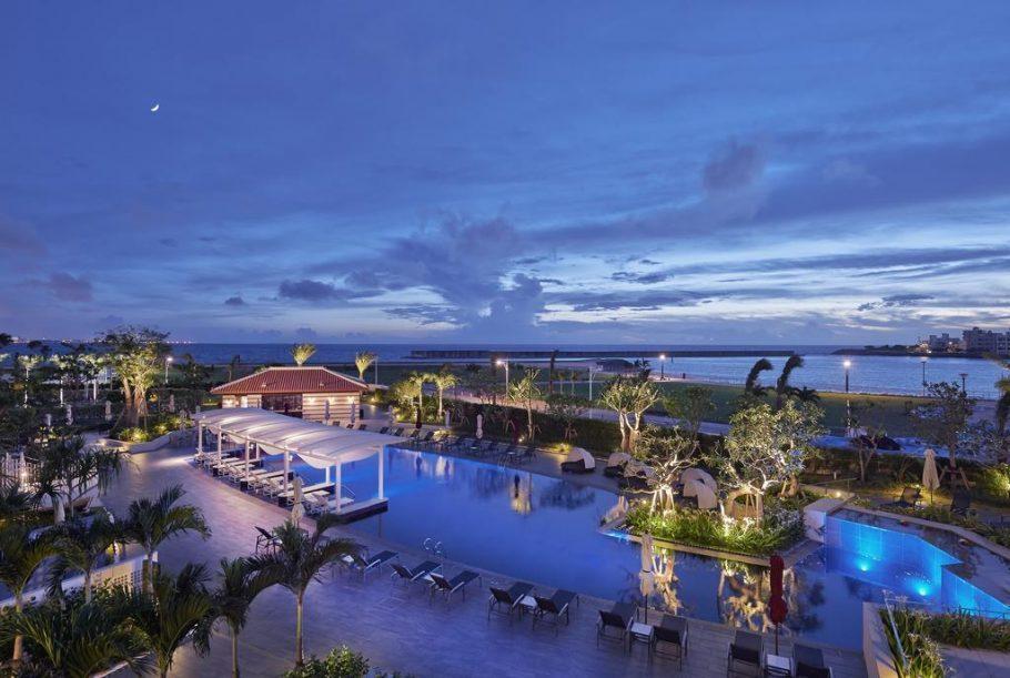 冲绳酒店推荐:日本冲绳热门海边豪华度假酒店,拥有无敌海景、私人沙滩、水上活动等