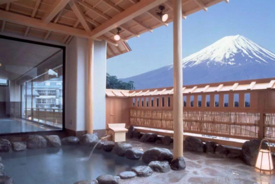 9家富士山景一绝的温泉酒店推荐,边看富士山边泡温泉